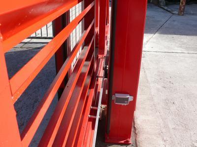 c-red-gates-006