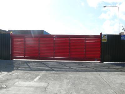 c-red-gates-009
