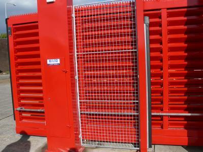 c-red-gates-017