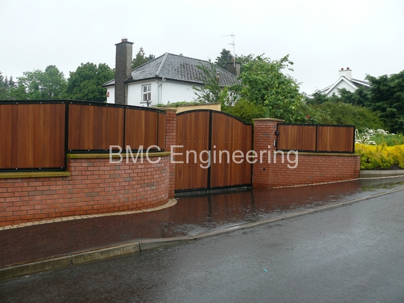Wooden Gates And Railings Designed For Domestic And