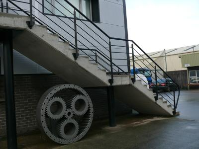 commercial-railings-010