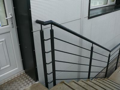 commercial-railings-013