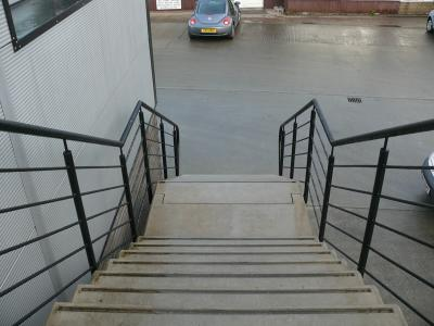 commercial-railings-014