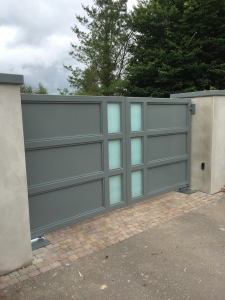gates-grey-glass-01