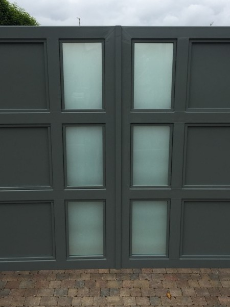 gates-grey-glass-02