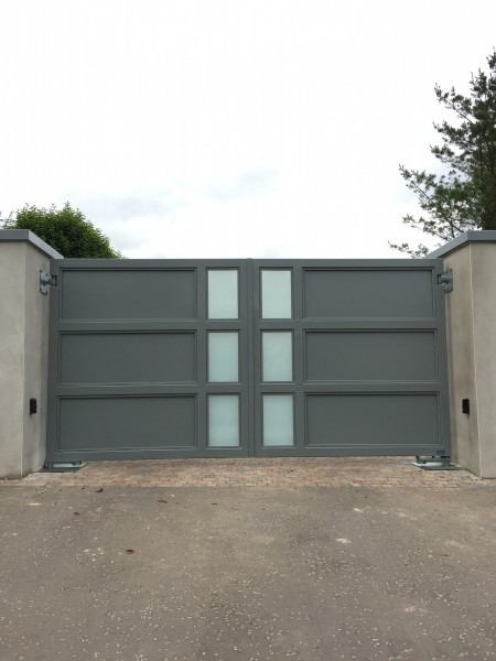 gates-grey-glass-03