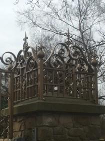 dom-gate-pillars-003