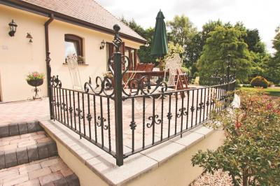 domestic-railings-014