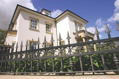 domestic-railings-017
