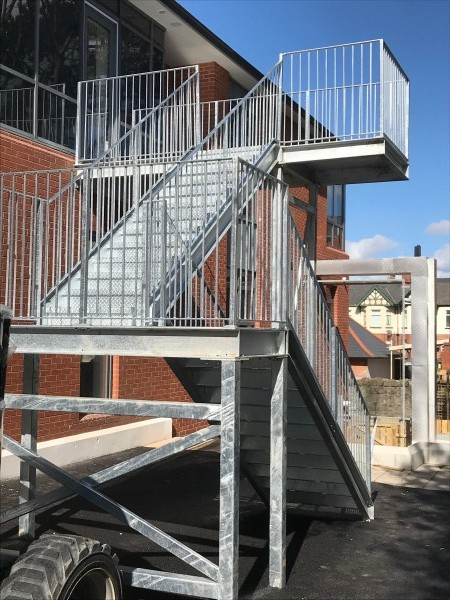 cancer-centre-belfast-fire-escape-02