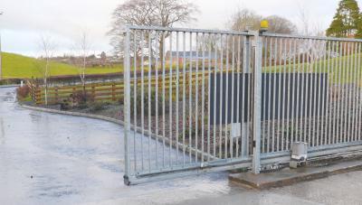 cantilever-gates-003