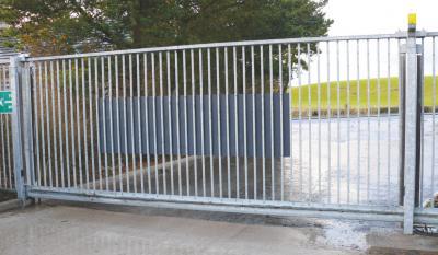 cantilever-gates-013