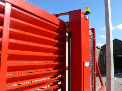 c-red-gates-005