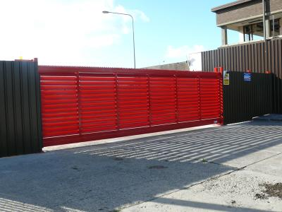 c-red-gates-008