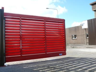 c-red-gates-014