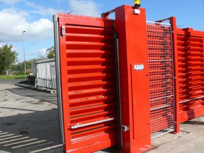 c-red-gates-015