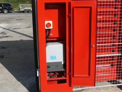 c-red-gates-016