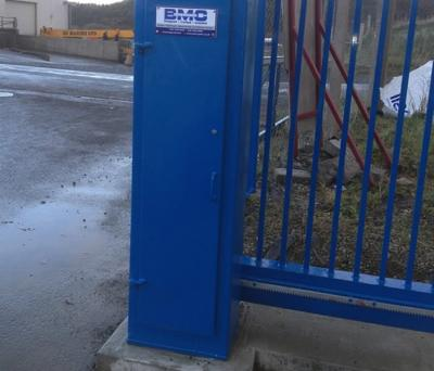 c-gates-blue-post-001