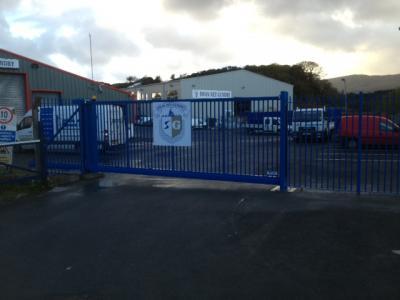 c-gates-blue-post-002