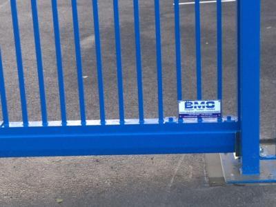 c-gates-blue-post-003