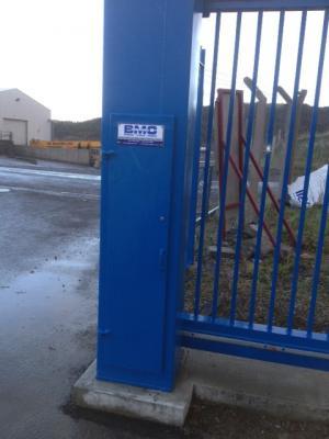 c-gates-blue-post-007
