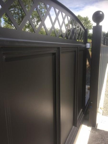 gates-blk-0002