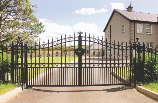 dom-gate-pillars-004