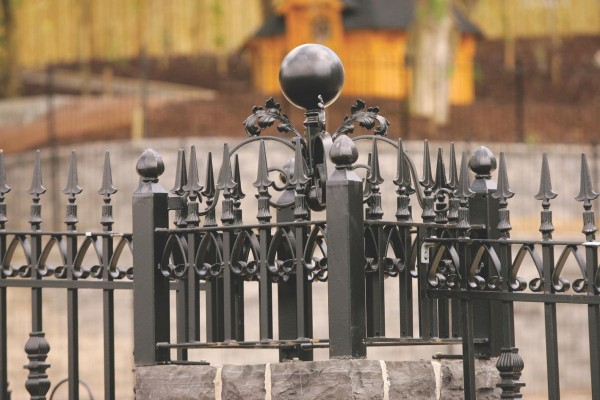 dom-gate-pillars-005