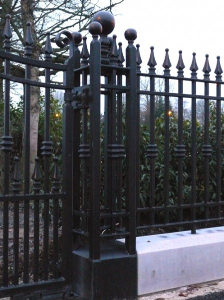 dom-gate-pillars-007